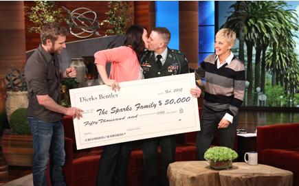 Dierks Bentley Military Family Conribution Ellion Show - CountryMusicRocks.net