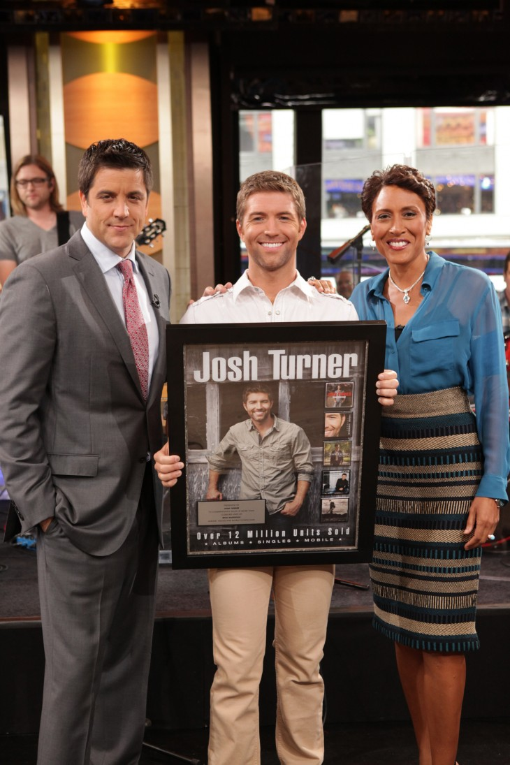 Good Morning America Jobs : Josh turner surprised with career achievement plaque on