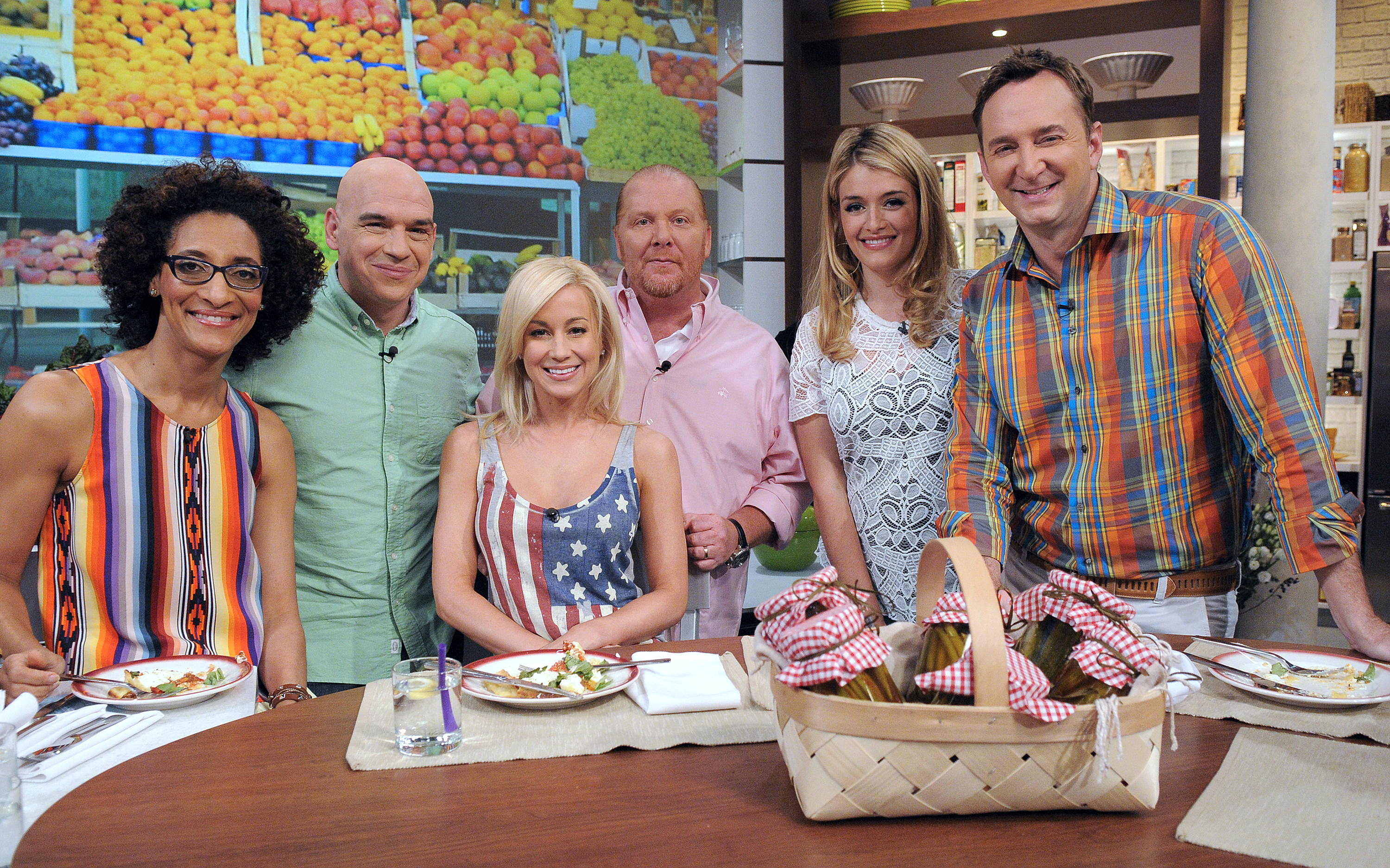 "The Chew Cast kellie pickler to appear on abc's ""the chew"" 