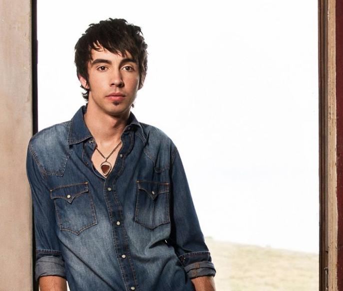 Mo Pitney - CountryMusicRocks.net