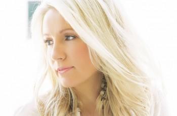 Dianna Corcoran - CountryMusicRocks.net