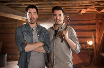 Property-Brothers-Jonathan-and-Drew-Scott--CountryMusicRocks.net
