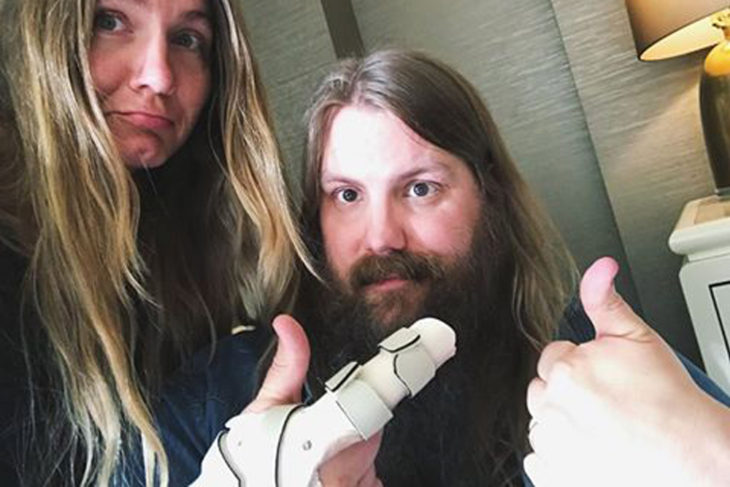 Chris Stapleton Broken Finger