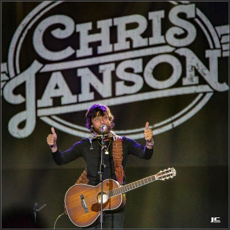 Chris Janson Good Vibes: Warner Music Nashville Showcased Artists During CRS